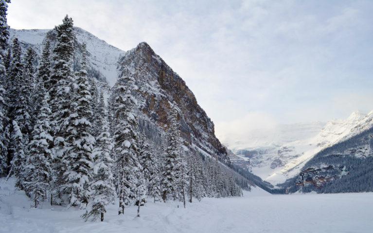 Beautiful Lake Louise Alberta :: I've Been Bit! A Travel Blog