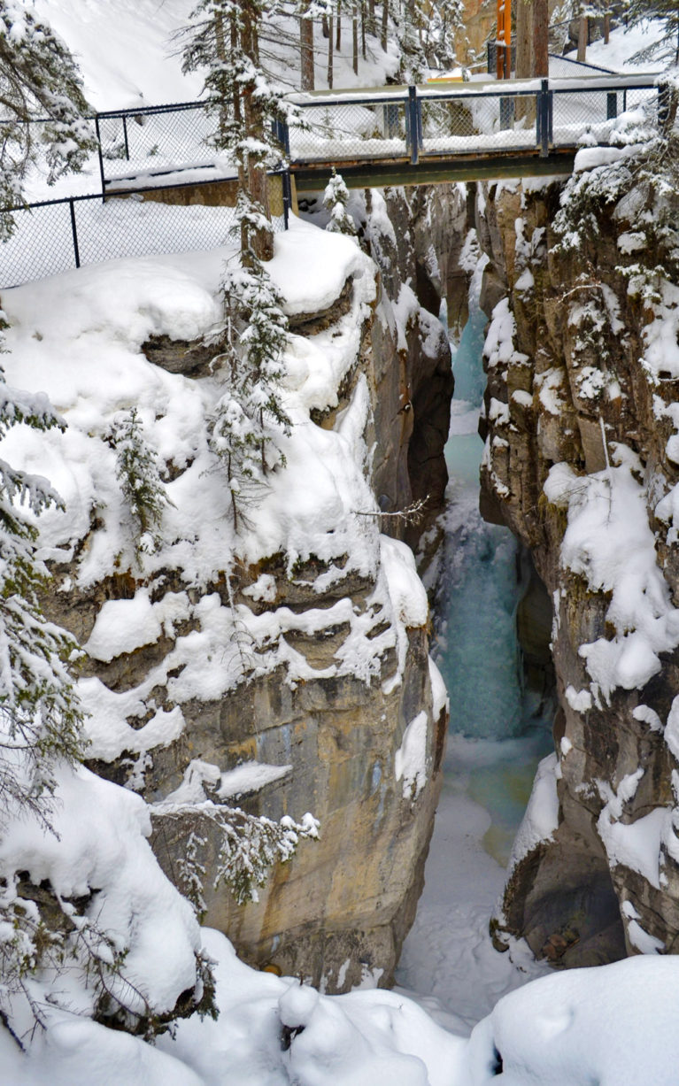One of the Beautiful Alberta Winter Attractions :: I've Been Bit! A Travel Blog
