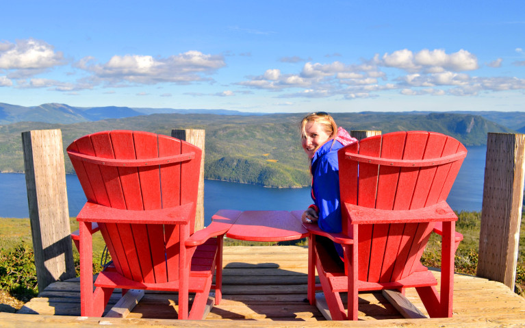 The Iconic Parks Canada Chairs make the perfect Canada bucket list quest! :: I've Been Bit! A Travel Blog