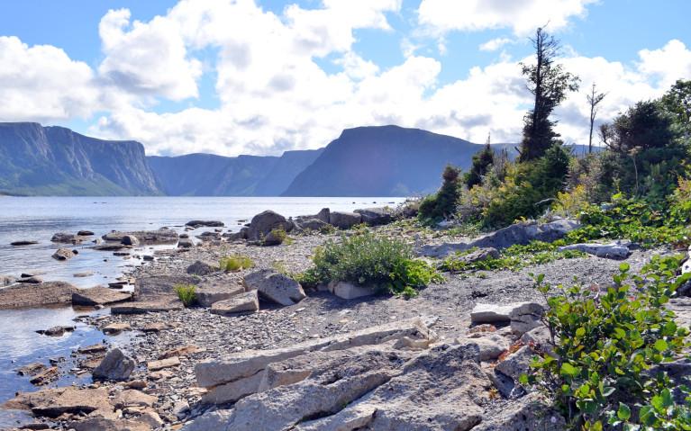 Along the Shore of Western Brook Pond :: I've Been Bit! A Travel Blog