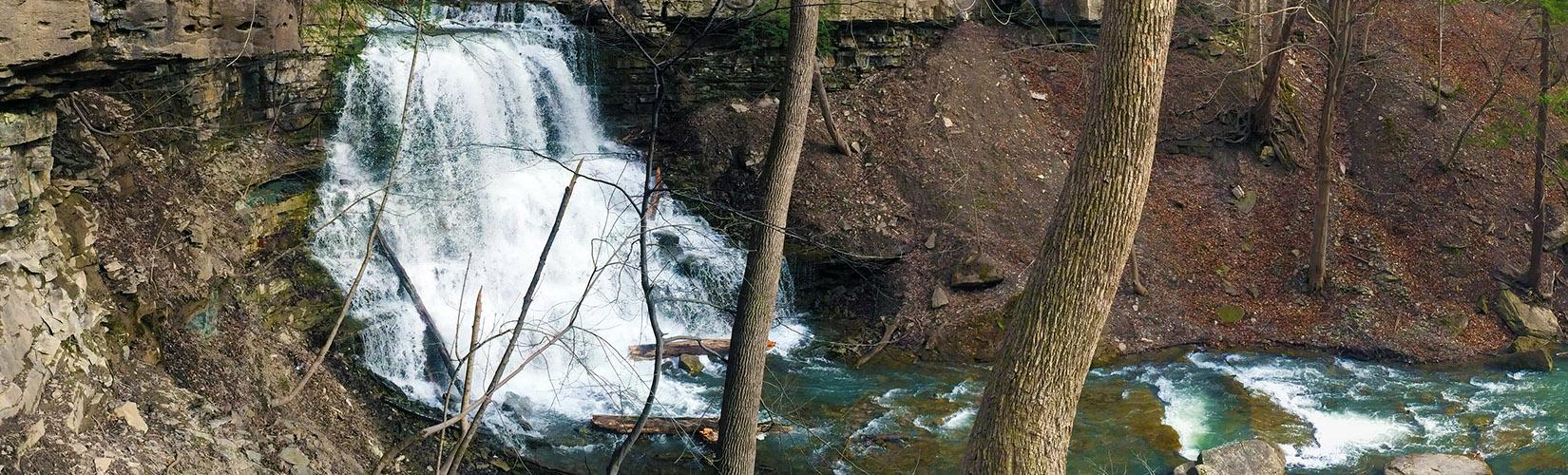 Niagara's Decew Falls, A Year Round Beauty :: I've Been Bit! A Travel Blog