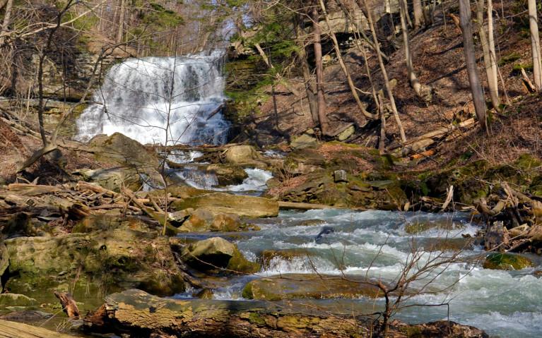 Lower DeCew Falls from Downstream :: I've Been Bit! A Travel Blog
