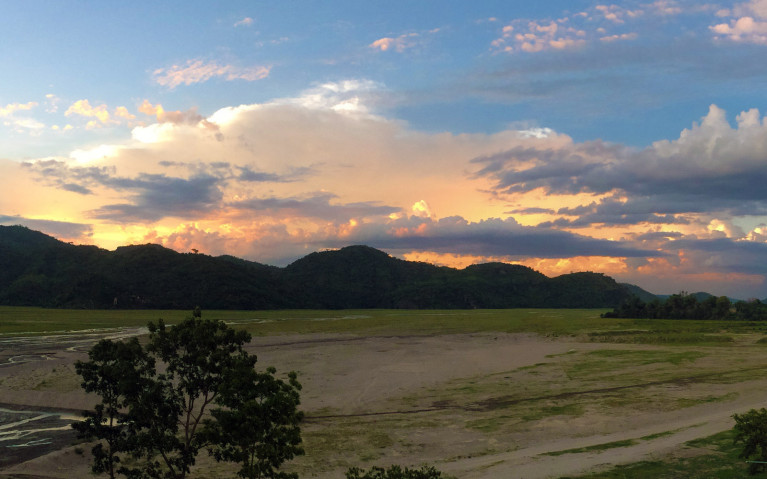 Sunset over the Barren Lands - Mt Pinatubo Tour :: I've Been Bit! A Travel Blog