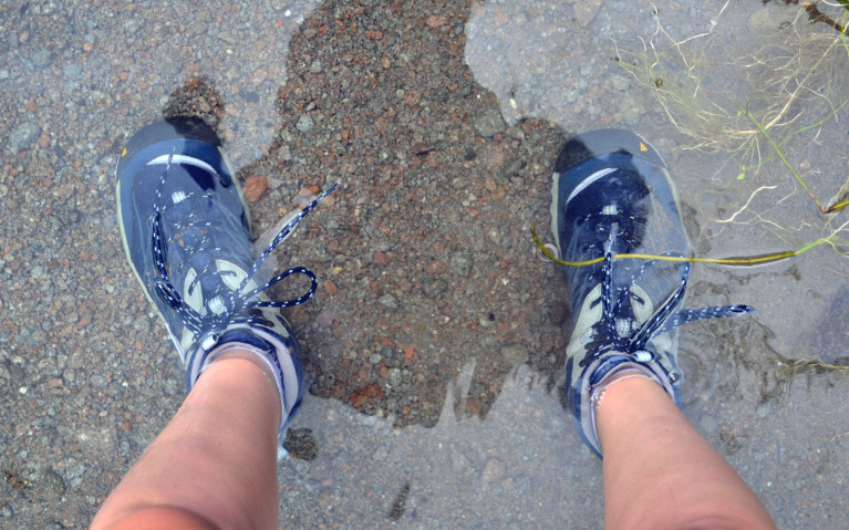 Feet Underwater - Mt Pinatubo Tour :: I've Been Bit! A Travel Blog