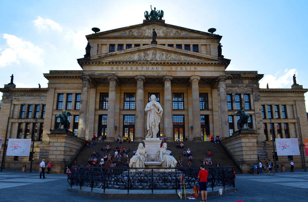 I've Been Bit! A Travel Blog :: Touring Berlin by Foot