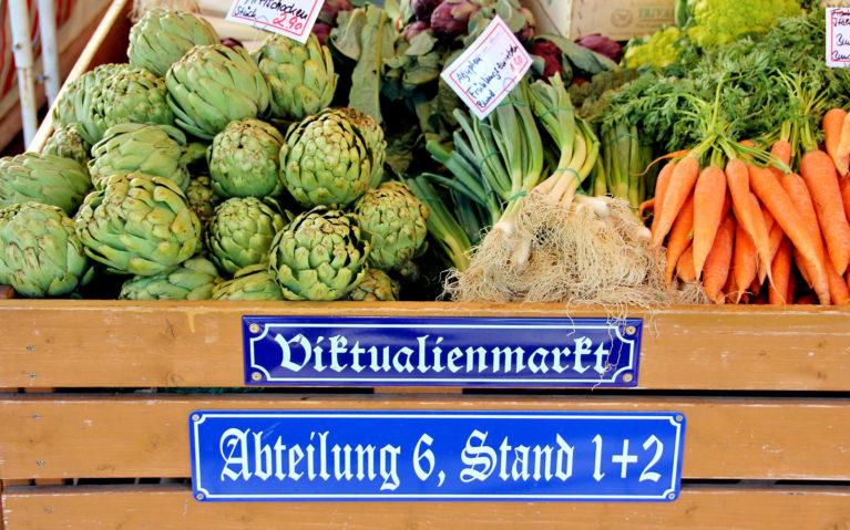 Munich's Iconic Viktualienmarkt :: I've Been Bit! A Travel Blog