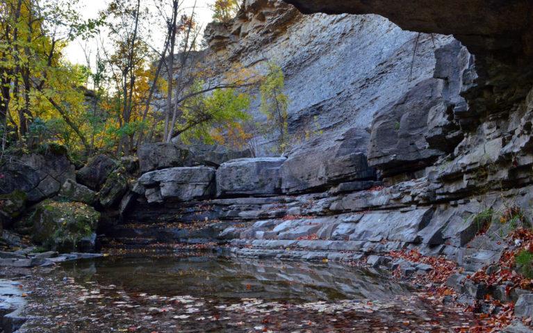 Formations Along the Escarpment :: I've Been Bit! A Travel Blog