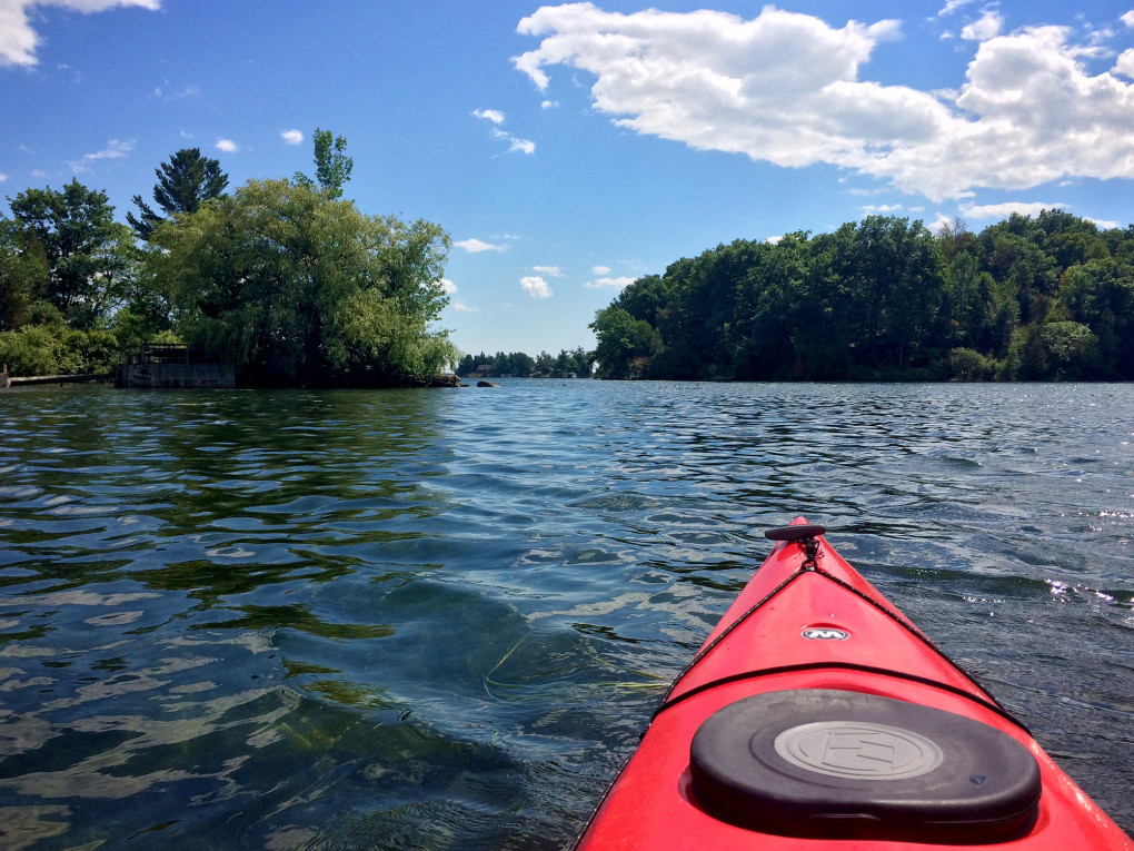 View from Lindsay's Kayak of the 1000 Islands on a summer day :: I've Been Bit! Travel Blog