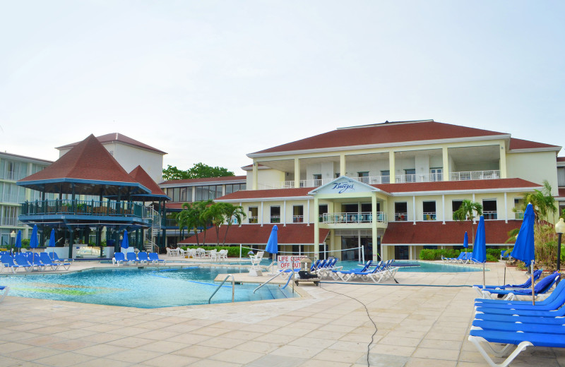 Exploring the Breezes Resort and Spa :: I've Been Bit! A Travel Blog