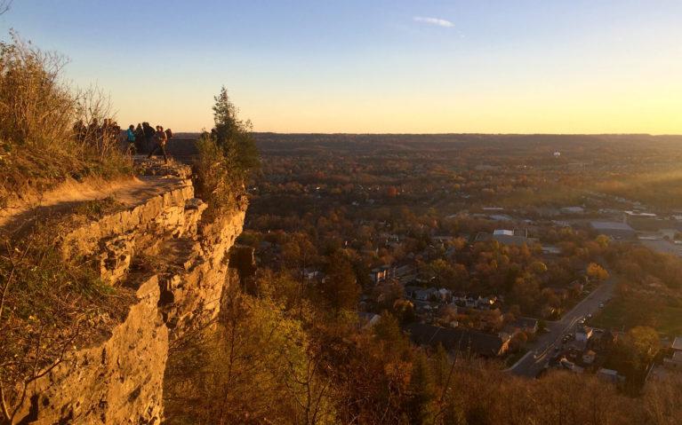 Sunset Over Dundas Peak in Hamilton, Ontario :: I've Been Bit! Travel Blog