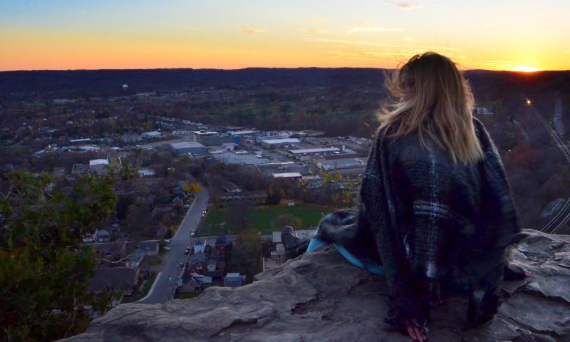 Enjoying the view from Dundas Peak :: I've Been Bit! A Travel Blog