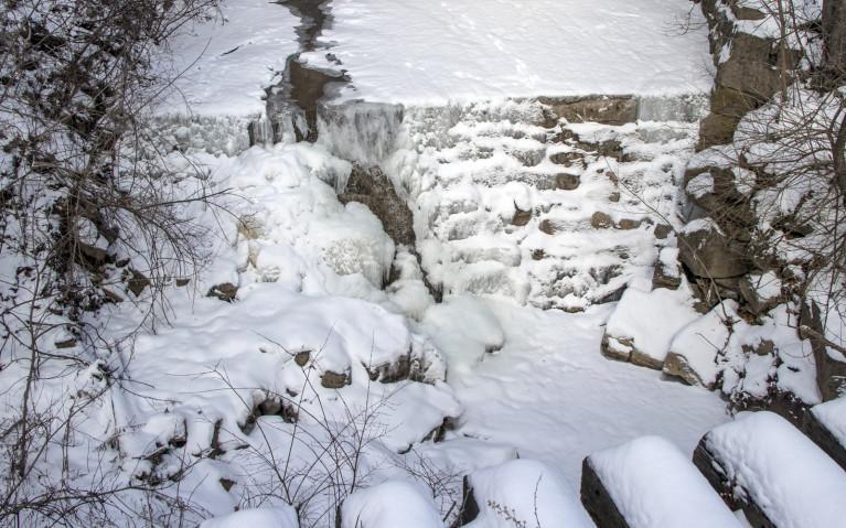 Lower Syndenham Falls, a Dundas Peak Waterfall! :: I've Been Bit! A Travel Blog