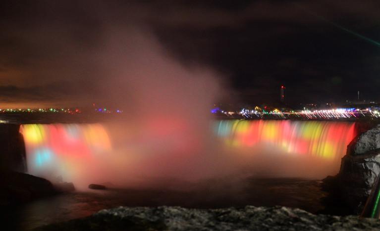 The Aura of Niagara's Winter Festival of Lights :: I've Been Bit! A Travel Blog