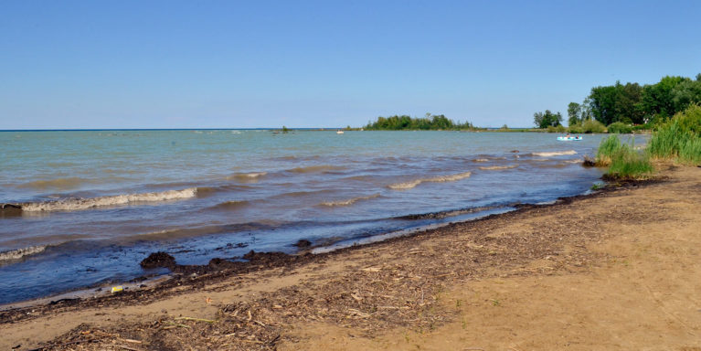 Waves Rolling in at Christie Beach in Ontario, Canada :: I've Been Bit! Travel Blog