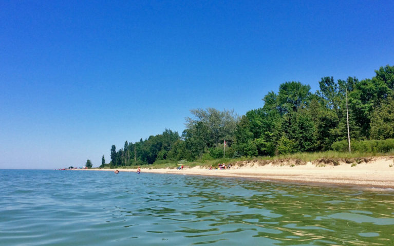 Quiet Shoreline Along One of the Beaches in Southern Ontario :: I've Been Bit! Travel Blog