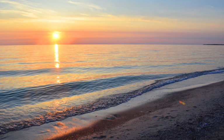 Sunset at Sauble Beach - One of the Most Popular Southwestern Ontario Beaches :: I've Been Bit! Travel Blog