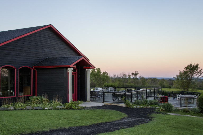 Peaceful Autumn Morning in Grey County at Coffin Ridge Winery :: I've Been Bit! A Travel Blog