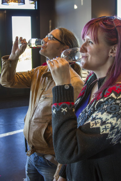 Robin and Lindsay enjoying some wine at Coffin Ridge Winery :: I've Been Bit! A Travel Blog