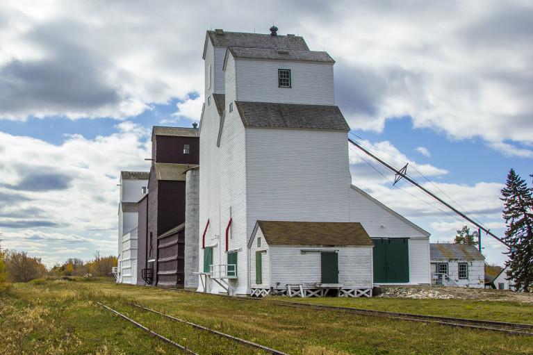 Inglis Grain Elevators - 20+ Photos Guaranteed to Inspire a Manitoba Road Trip :: I've Been Bit! A Travel Blog