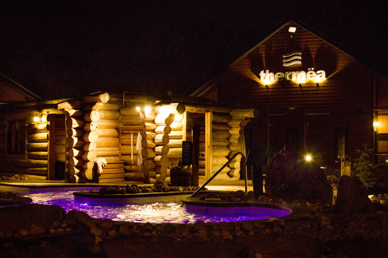 Pool and Spa at Thermëa by Nordik Spa-Nature - Winnipeg's Modern Oasis :: I've Been Bit! A Travel Blog