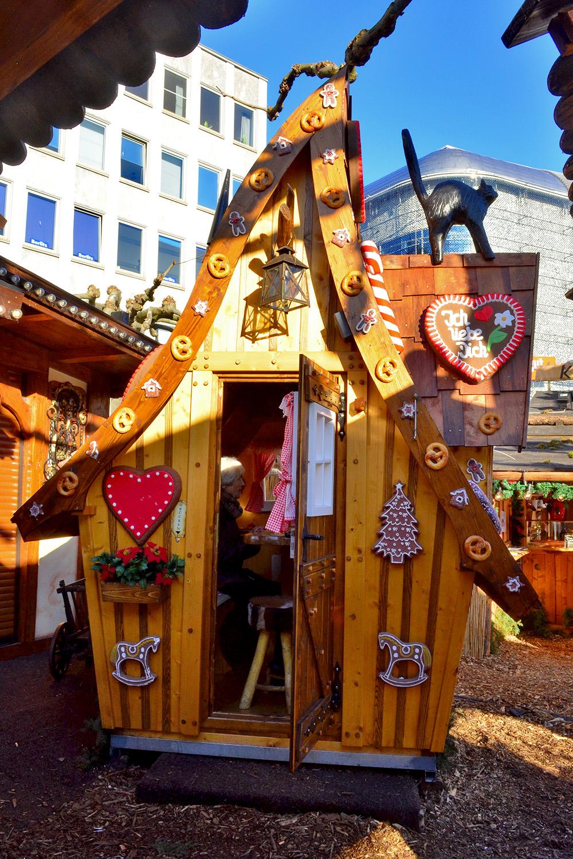 Adorable Hut at Kassel Weihnachtsmarkt - A Fairy Tale German Christmas Market :: I've Been Bit! A Travel Blog