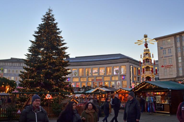 Sunset at Kassel Weihnachtsmarkt - A Fairy Tale German Christmas Market :: I've Been Bit! A Travel Blog
