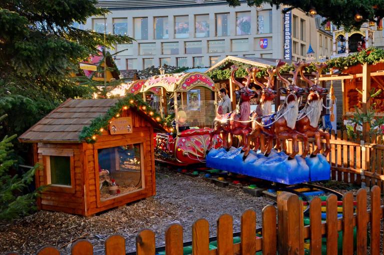 Reindeer Train at Kassel Weihnachtsmarkt - A Fairy Tale German Christmas Market :: I've Been Bit! A Travel Blog
