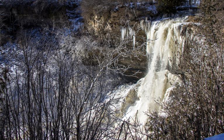 Borer's Falls and Niagara Escarpment - Hiking Hamilton's Borer's Falls :: I've Been Bit! A Travel Blog