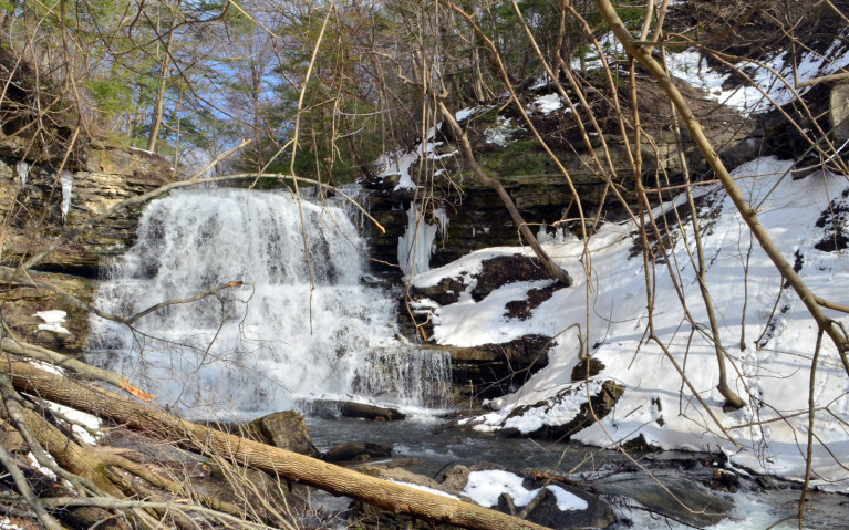 Decew Falls on the edge of St Catharines in Niagara Region :: I've Been Bit! A Travel Blog
