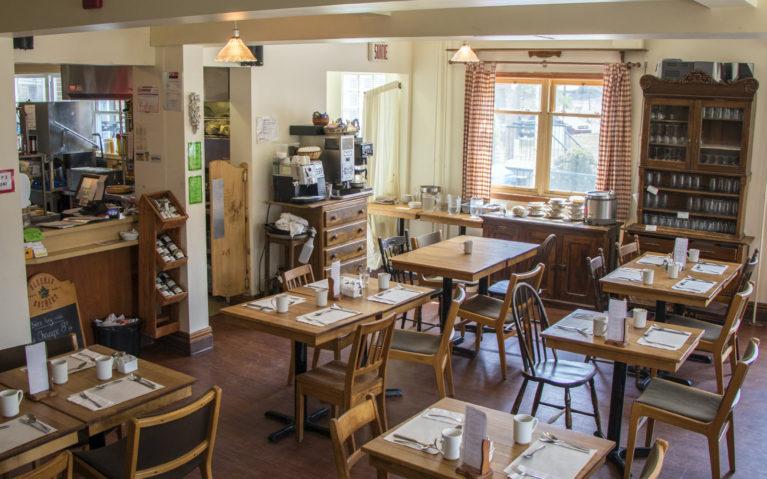 Inside Café du Presbytere :: I've Been Bit! A Travel Blog