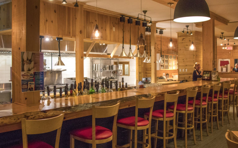 How Cozy is the Chalet's Restaurant? :: I've Been Bit! A Travel Blog