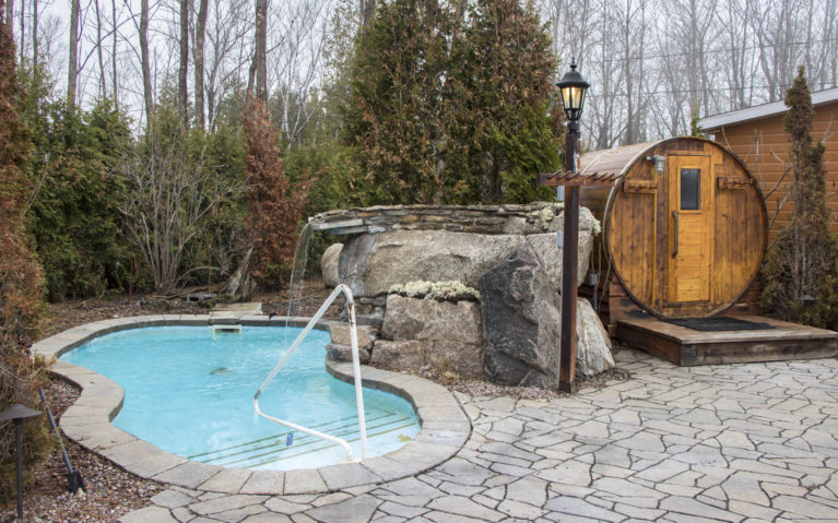 You Won't Want to Miss This Hotel Saguenay Lac St Jean! :: I've Been Bit! A Travel Blog