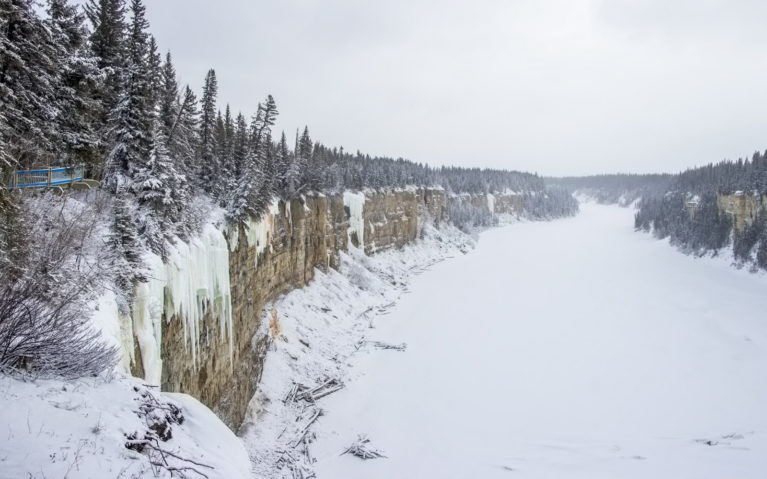 Alexandra Falls, Just South of Hay River NWT :: I've Been Bit! A Travel Blog