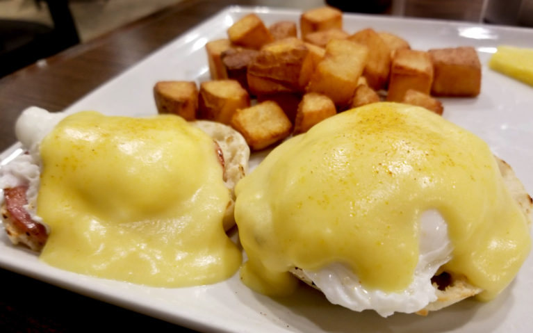 The Keys Dining in Hay River NWT :: I've Been Bit! A Travel Blog