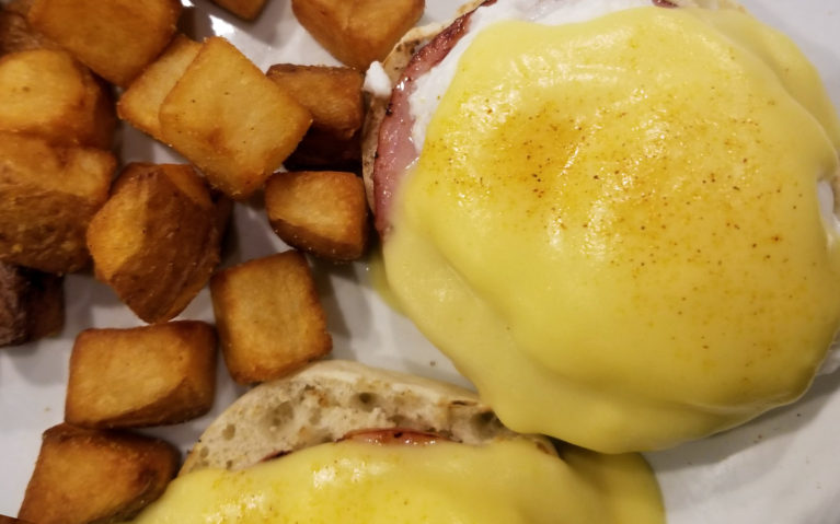 The Eggs Benedict at the Keys Dining :: I've Been Bit! A Travel Blog