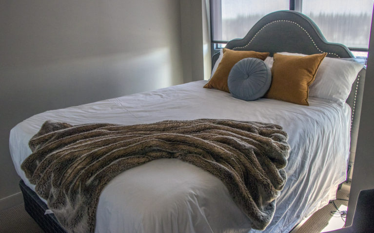 How Cozy Does this Bed Look? Talk about Luxury Hotels Calgary! :: I've Been Bit! A Travel Blog