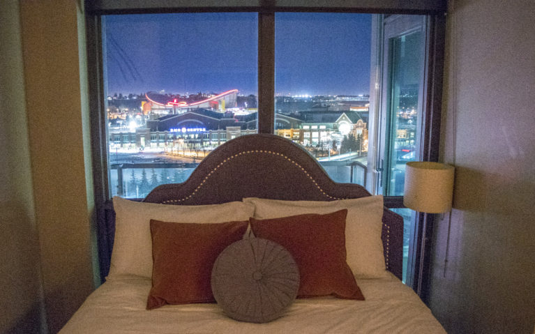 What a Gorgeous View from These Hotels Calgary AB Canada :: I've Been Bit! A Travel Blog