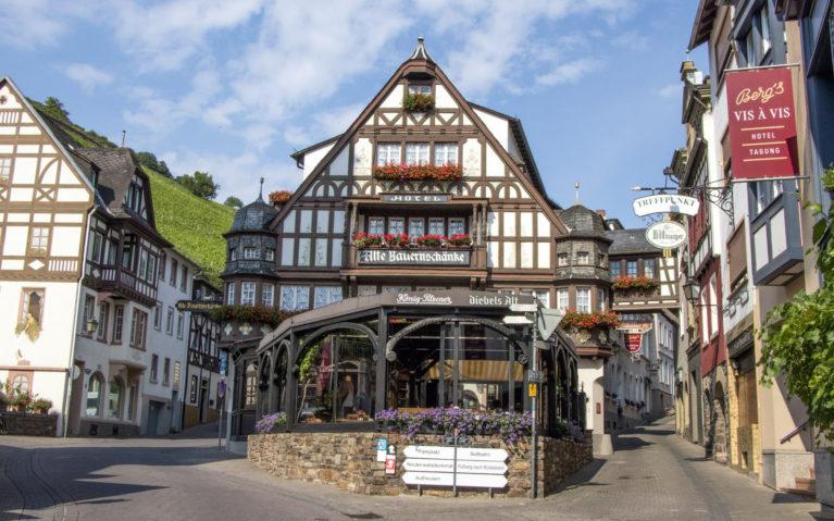 Gorgeous and Quaint Assmanshausen :: I've Been Bit! A Travel Blog