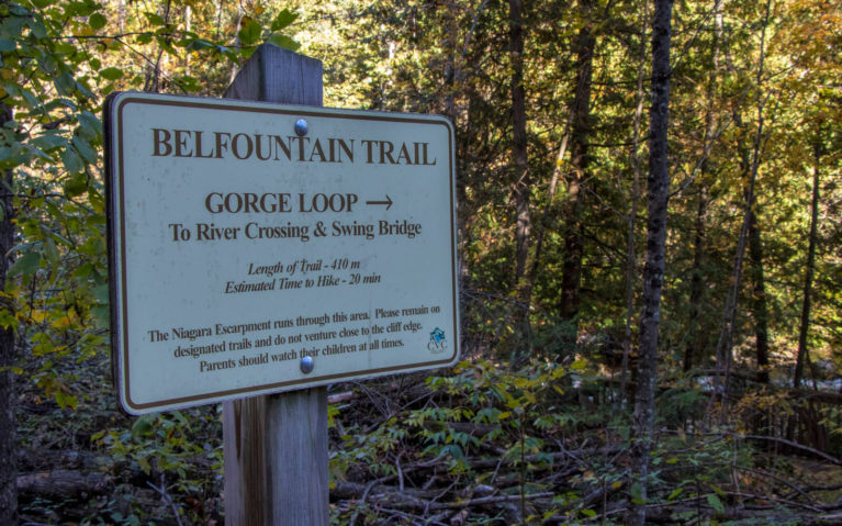 Signs for the Belfountain Trail, Belfountain Conservation Area Ontario :: I've Been Bit! A Travel Blog