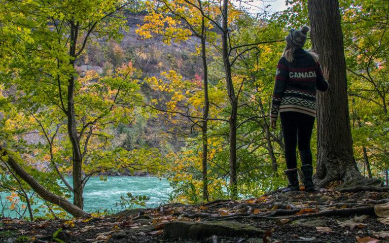 Niagara Falls Hiking Along the Niagara River :: I've Been Bit! A Travel Blog