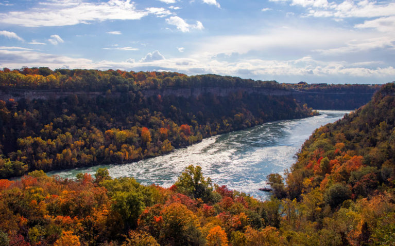 The Niagara Glen Offers Some of the Best Niagara Falls Hiking! :: I've Been Bit! A Travel Blog