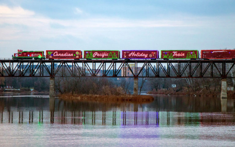 Shot of the CP Holiday Train in Cambridge, Ontario :: I've Been Bit! A Travel Blog