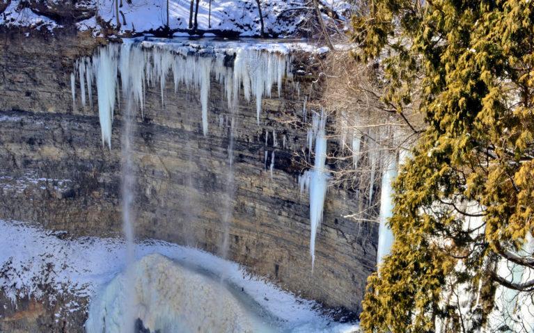 Tew's Falls, Hamilton in Winter :: I've Been Bit! A Travel Blog