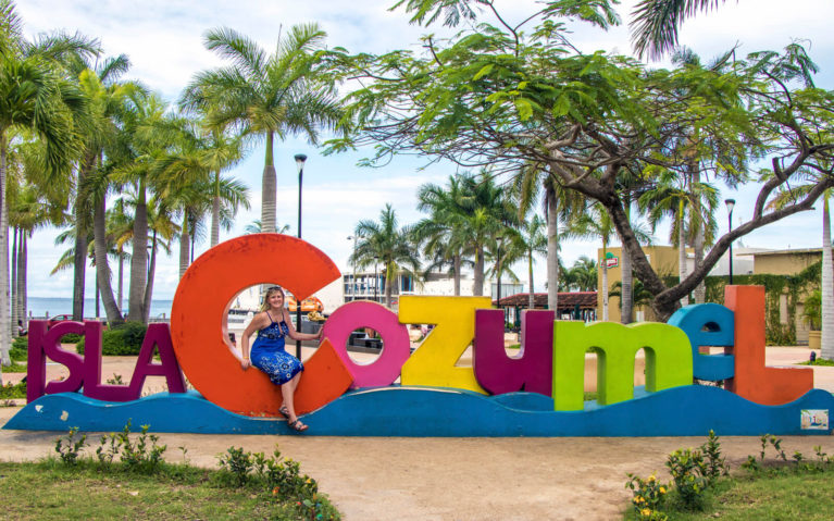 Lindsay Standing with the Cozumel Sign in Town :: I've Been Bit! A Travel Blog