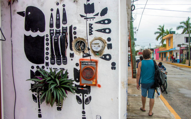 Black Bird Design on a Wall in Cozumel, Mexico :: I've Been Bit! Travel Blog