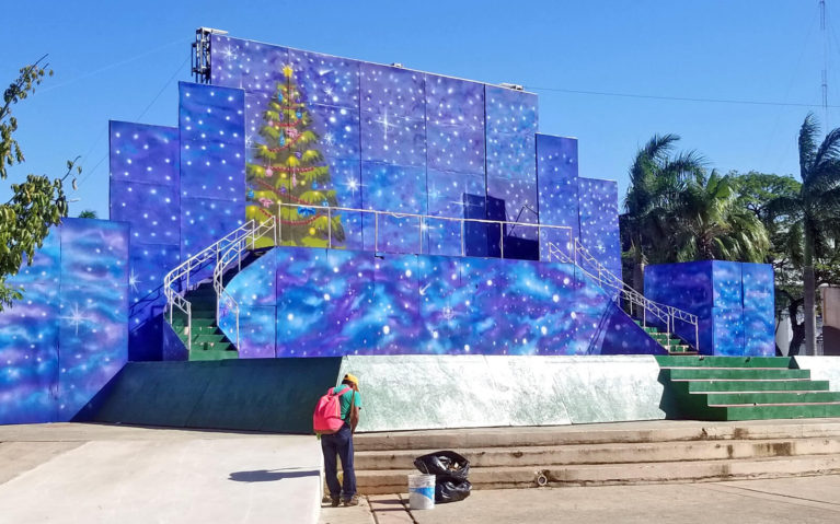 Stage with Christmas Tree Cozumel :: I've Been Bit! Travel Blog