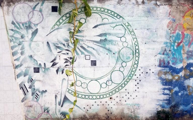 Gryphon Outline in Teal on White Background :: I've Been Bit! Travel Blog