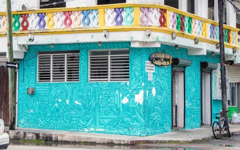 Teal Storefront in Cozumel, Mexico :: I've Been Bit! Travel Blog