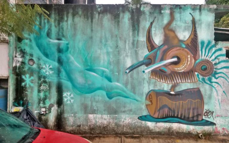 Weird Robot Bird Street Art in Cozumel :: I've Been Bit! Travel Blog