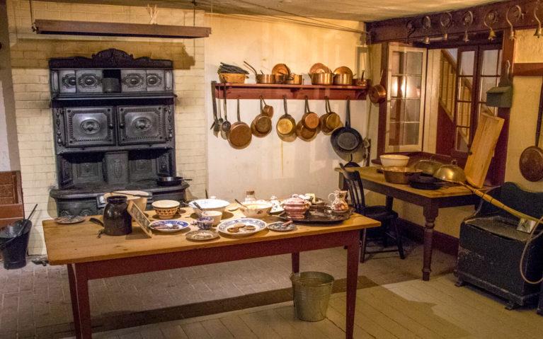 The Kitchen inside Dundurn Castle :: I've Been Bit! Travel Blog